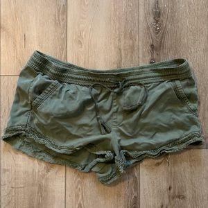 Comfy double frayed shorts